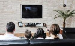 TV Merusak Interaksi Orangtua dan Anak