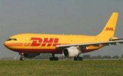 DHL Beri Beasiswa kepada 122 Anak Kurang Mampu di Marunda