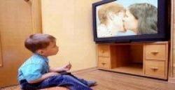 Jauhkan TV dari Anak Usia di Bawah 2 Tahun