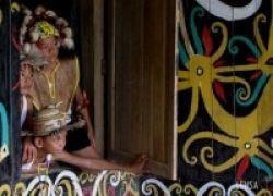 Pendidikan Anak-Anak Suku Dayak Punan, Tak Ada Perhatian