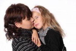 Ciuman Ibu Bikin Bayi Lebih Sehat Lho