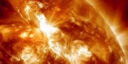 Badai Matahari Hantam Bumi Hari Ini