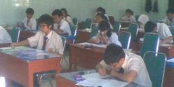 Hari Pertama, 134 Pelajar SMP Kediri Tidak Lulus UN