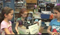 Mengajarkan Anak SD Amerika Berbagi kepada Kaum Dhuafa