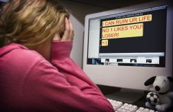 Proteksi Anak dari Ancaman Cyberbullying