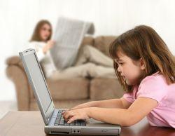 Pedoman Ini Perlu Anda Terapkan Ketika Anak Bermain Gadgetnya!
