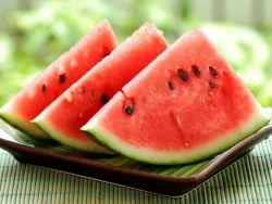 Khasiat dan Nutrisi Buah Semangka