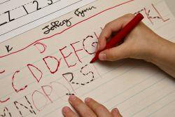 Perlunya Mengajari Anak Belajar Menulis Sejak Usia Dini