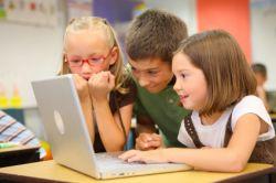 Waspada Jika Anak Betah di Depan Komputer!