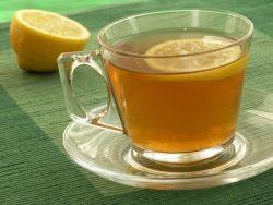 Jus Lemon dan Teh Hangat sebagai Antibiotik Alami