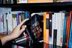 Buku vs Internet