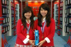 Ciptakan Alat Pesan Makanan Digital, 2 Siswi SMA Diganjar Special Awards