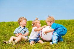 Tips Menghadapi Rasa Cemburu pada Anak