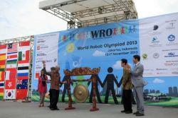 Pemenang World Robot Olympiad (WRO) 2013
