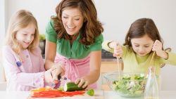 Strategi Jitu Supaya Anak Suka Makan Sayur