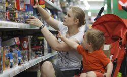 Hemat dan Selektif Saat Ajak Anak ke Toko Mainan