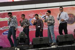 Final Lomba Vocal Grup (SMA) dan Teacher'S Talent GENPRES 2013 - Summarecon Mal Serpong