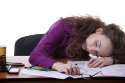 Habis Makan Siang Malah Mengantuk? Cegah dengan Tips Ini
