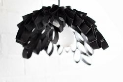 Membuat Hiasan Lampu dari Gulungan Bekas Tisu