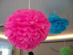 Berkreasi Membuat Bunga Indah dari Kertas Krep
