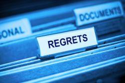 Mengungkapkan Rasa Penyesalan dalam Bahasa Inggris