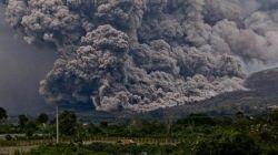 Mengapa Terjadi Gunung Meletus?