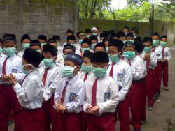 Kediri: Masker Tetap Dipakai Ketika Berlangsungnya Proses Belajar Mengajar