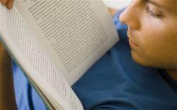 Suka Baca Novel? Ini Keuntungannya