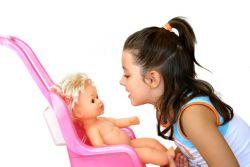 Manfaat Bermain Boneka bagi Anak