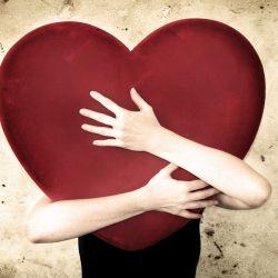 Mengapa Jatuh Cinta Bikin Tak Nafsu Makan?