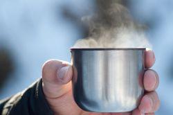Minum Air Hangat, Solusi Diet Alami dan Redakan Sembelit
