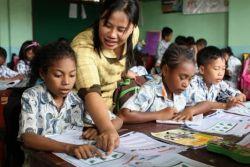 Ambon: Panghimbauan bagi Kepala Sekolah Agar Tidak Mengangkat Tenaga Honorer