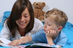 Membacakan Dongeng Efektif untuk Stimulasi Kemampuan Anak