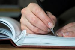 Tulis Tangan Ternyata Bisa Memperkuat Ingatan