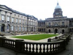 University of Edinburgh Menawarkan Beasiswa untuk S-1 Loh!