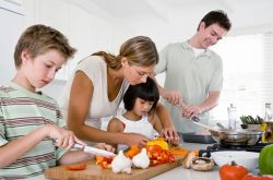 Jadikan Akhir Pekan Anda Menyenangkan dengan Memasak Bersama Anak