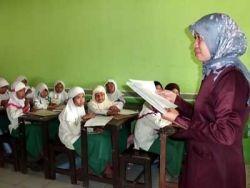 Dana Bantuan untuk Guru Madrasah Sebesar Rp 75 Ribu Per Bulan