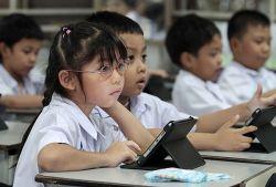 Ingin Memberikan Tablet PC untuk Anak? Pertimbangkan Ini Dulu..