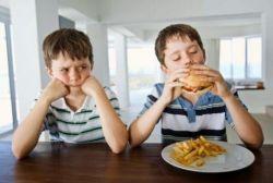 Cegah Sikap Egois pada Anak dengan Cara Ini