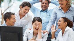 Dongkrak Karier di Kantor dengan Guyonan