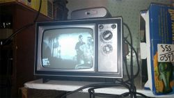 Seorang Gamer Iseng Mencoba Bermain Xbox 360 pada TV Tahun 1973