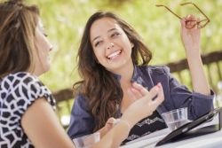 4 Cara Menyenangkan Ini Dapat Mempererat Tali Persaudaraan Anda Lho
