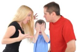 Dampak Buruk Bertengkar Didepan Anak
