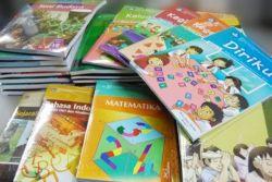 Kemdikbud Menyalahkan Percetakan Atas Penjualan Buku Ilegal
