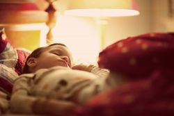 Kebiasaan Tidur dengan Lampu Menyala? Perhatikan Dampaknya
