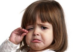Terlalu Sering Melarang Anak Anda Menangis? Ini Dia Bahayanya
