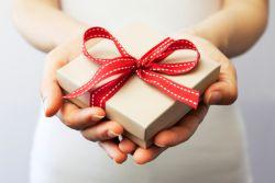 Bagi Anda yang Bingung untuk Memilih Hadiah, Simak Artikel Berikut Ini!