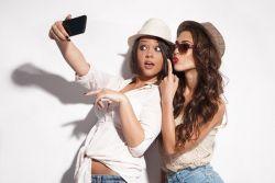 Selfie Bisa Menyembuhkan Penyakit Eksim?