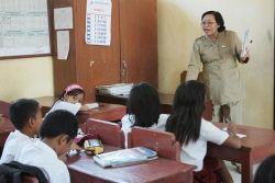 Tingkat Kurangnya Tenaga Guru SD Semakin Tinggi