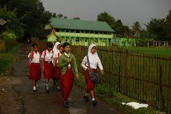 Jalan Kaki ke Sekolah Ternyata Mampu Meningkatkan Konsentrasi Anak Lho!